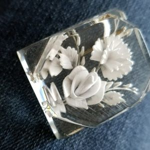 Vintage Jewelry - Vintage reverse carved lucite brooch white roses